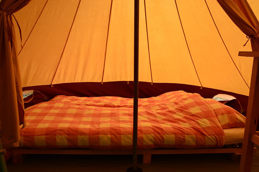 tent tweepersoons bed1